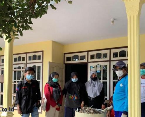 Mahasiswa UMM Berdayakan Warga Daur Ulang Sampah