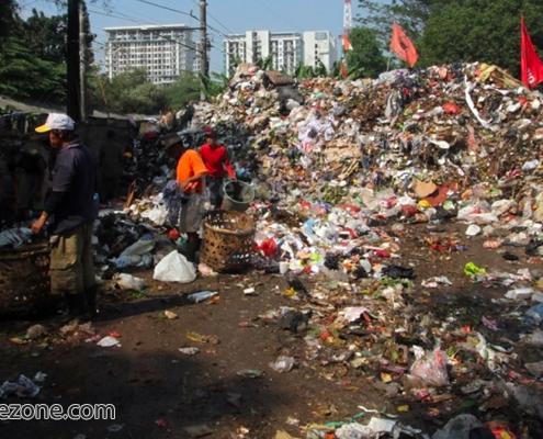 Sampah Kian Menumpuk